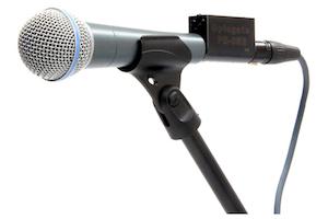 Shure Beta 58 mit Optogate PB-05 auf Mikrofonstativ