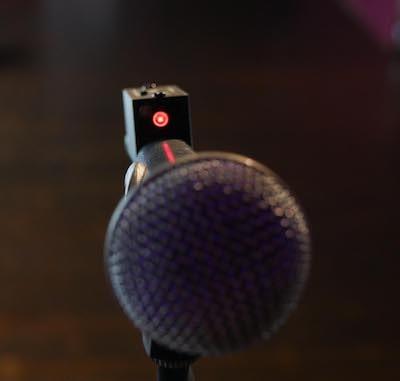 Optogate auf Mikrofon
